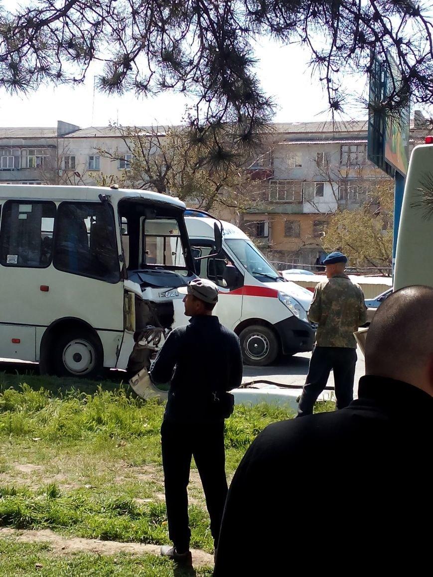 В Симферополе в столкновении двух маршруток пострадали 10 человек (ФОТО), фото-3