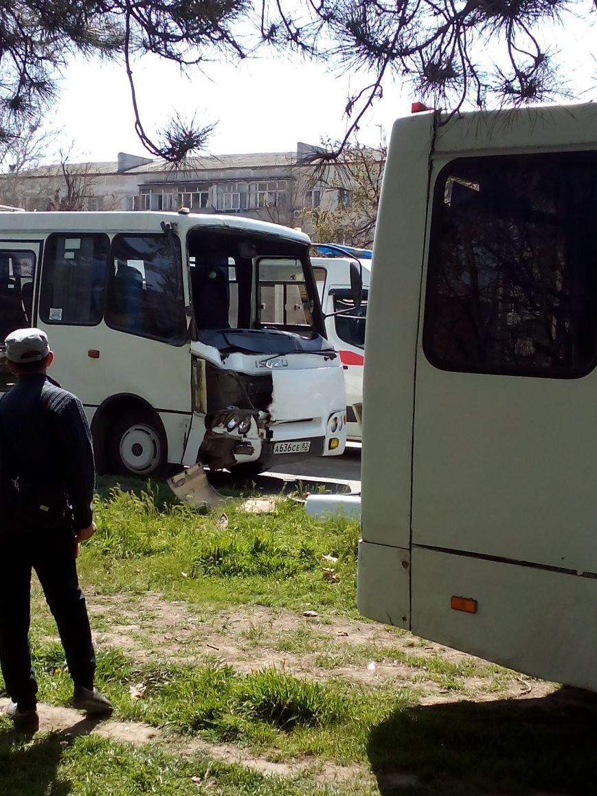 В Симферополе в столкновении двух маршруток пострадали 10 человек (ФОТО), фото-2