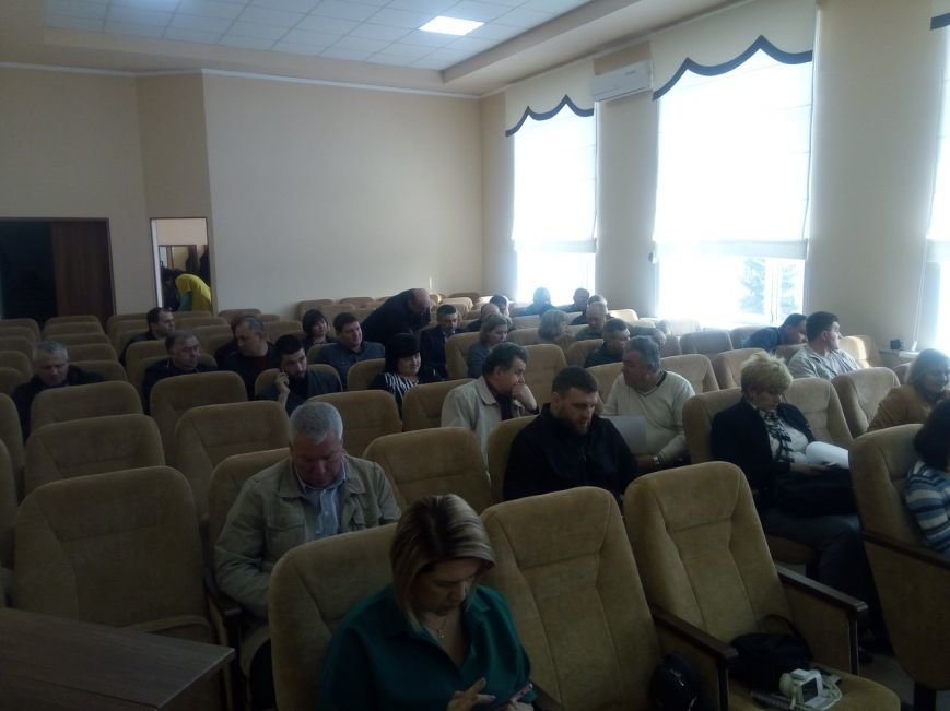 На внеочередную сессию в Покровске вынесли один, но судьбоносный вопрос, фото-1