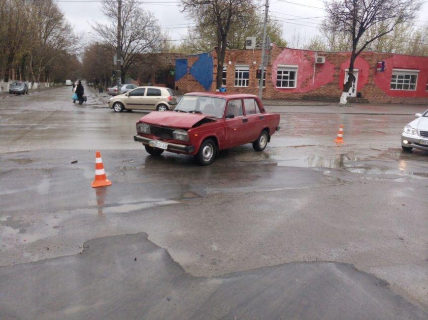 Чергове ДТП на проспекті Грушевсього: винуватець втік з місця пригоди, фото-1