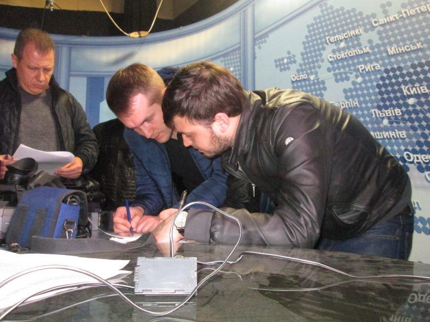 Пока в телекомпании «Круг» изымали имущество, одесские патриоты выясняли отношения (ВИДЕО, ФОТО), фото-2
