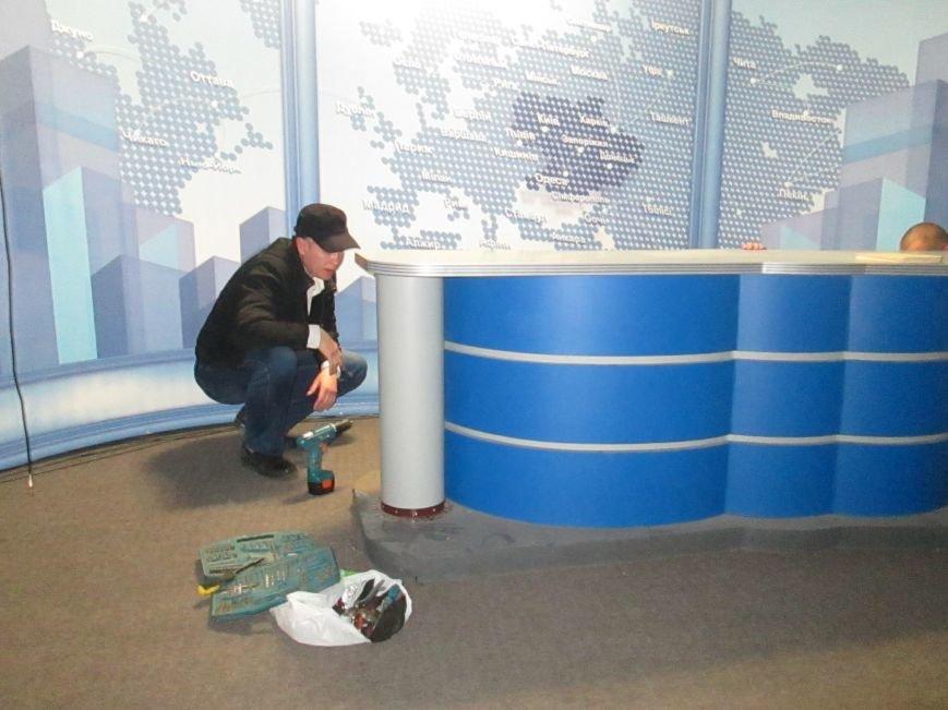 Пока в телекомпании «Круг» изымали имущество, одесские патриоты выясняли отношения (ВИДЕО, ФОТО), фото-8