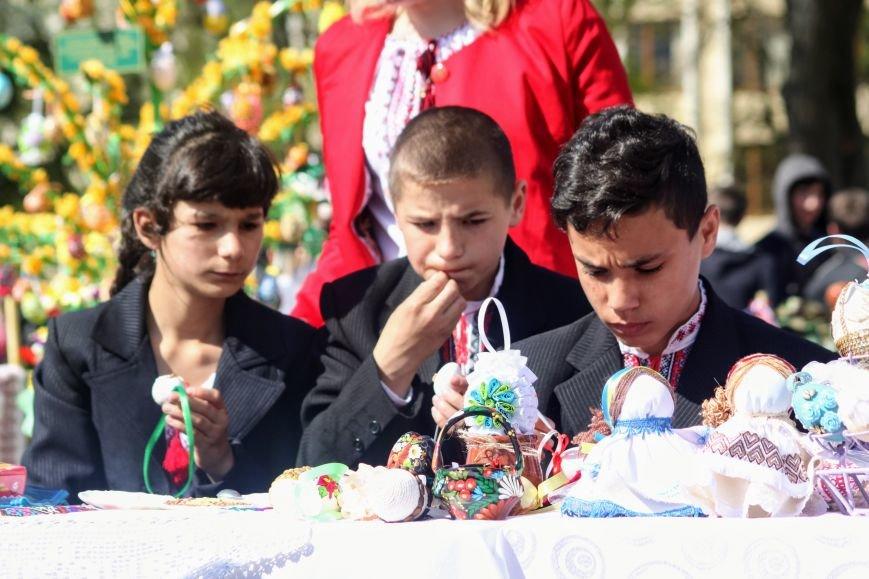 Ужгород розпочинає святкувати Великдень масштабним фестивалем писанок на Народній: фоторепортаж, фото-19
