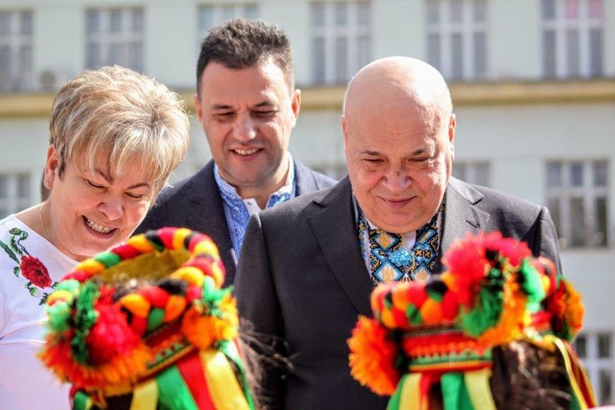 Ужгород розпочинає святкувати Великдень масштабним фестивалем писанок на Народній: фоторепортаж, фото-10