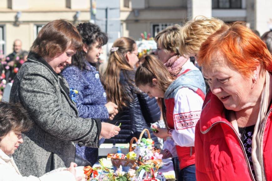 Ужгород розпочинає святкувати Великдень масштабним фестивалем писанок на Народній: фоторепортаж, фото-6