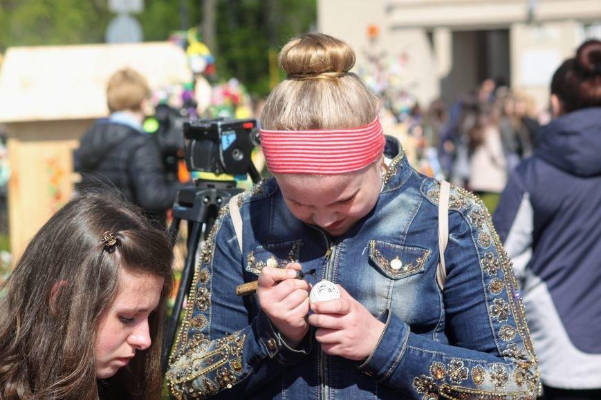 Ужгород розпочинає святкувати Великдень масштабним фестивалем писанок на Народній: фоторепортаж, фото-16