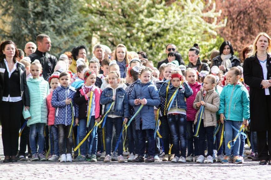 Ужгород розпочинає святкувати Великдень масштабним фестивалем писанок на Народній: фоторепортаж, фото-9