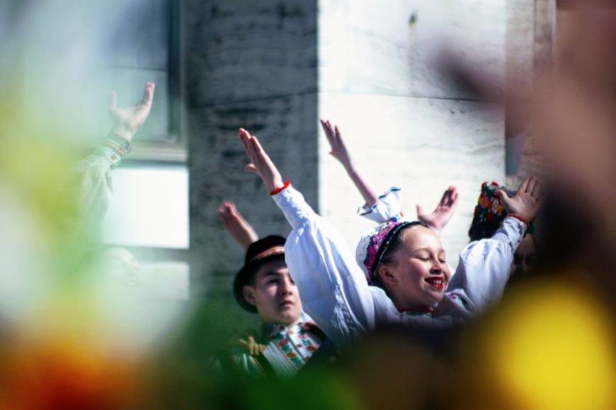 Ужгород розпочинає святкувати Великдень масштабним фестивалем писанок на Народній: фоторепортаж, фото-17