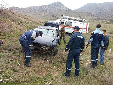 В Крыму автомобиль слетел с дороги и перевернулся (ФОТО), фото-4