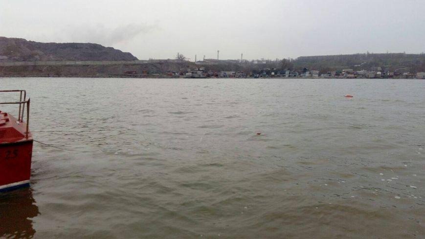 В Мариуполе в море обнаружена мина (ФОТО), фото-2