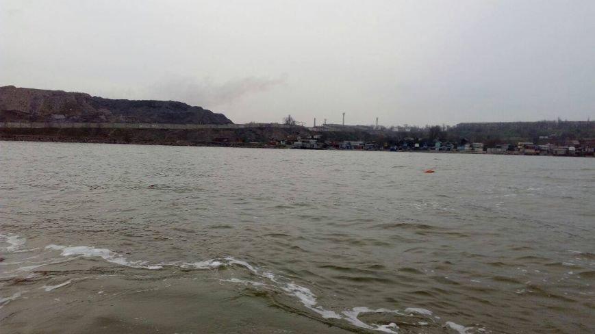 В Мариуполе в море обнаружена мина (ФОТО), фото-3