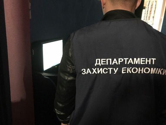 Масштабні обшуки поліції у гральних закладах Ужгорода, Мукачева і Хуста: фото, фото-1