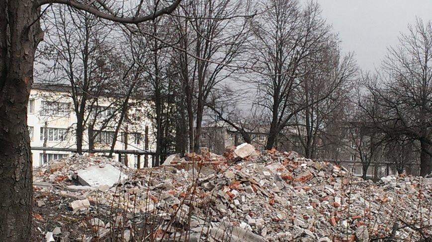 Вместо детсада - свалка: жители Мирнограда возмущенны бездействием городских властей, фото-7