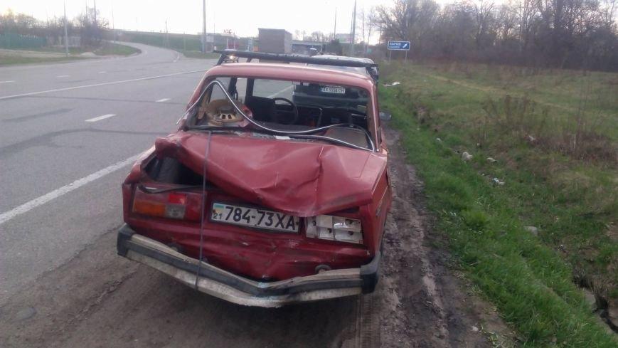 """""""Он не собирался тормозить"""": военный грузовик протащил легковушку по трассе, фото-4"""