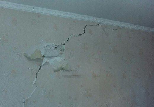 Одесса проваливается в катакомбы: На Слободке в домах пошли трещины (ФОТО), фото-9