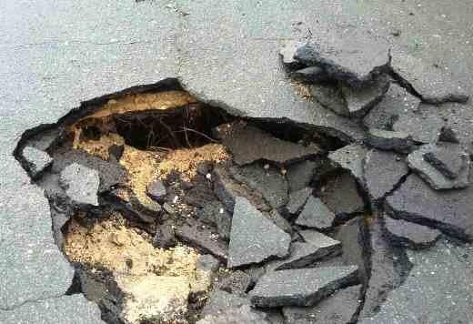 Одесса проваливается в катакомбы: На Слободке в домах пошли трещины (ФОТО), фото-4