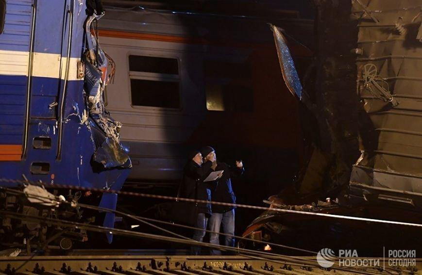 Поезд Москва - Брест столкнулся с электричкой: десятки пострадавших. ФОТО, фото-1
