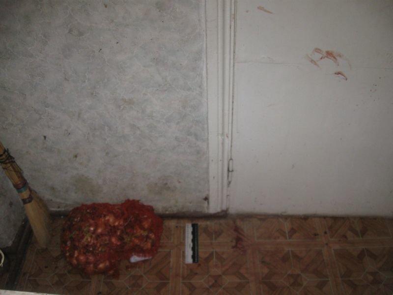В Краматорске двое ограбили семью пенсионеров: забрали даже кастрюлю борща, фото-3