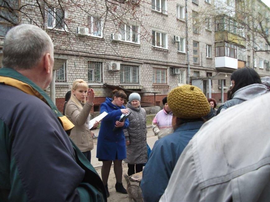 Каменчане на улице Освитней продолжают блокировать установку общедомового газового счетчика, фото-2