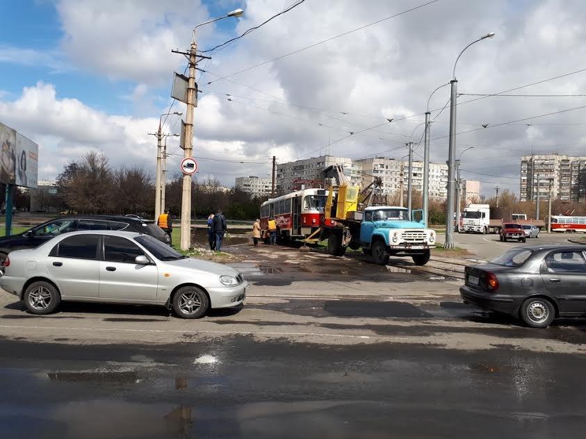 """В Мариуполе новые-старые чешские трамваи не прошли """"испытание кольцом"""" (Фотофакт), фото-1"""