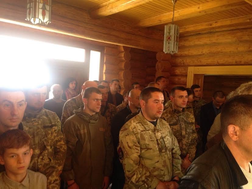 В Ужгороді відзначили церковними нагородами військових та волонтерів: фото, фото-5