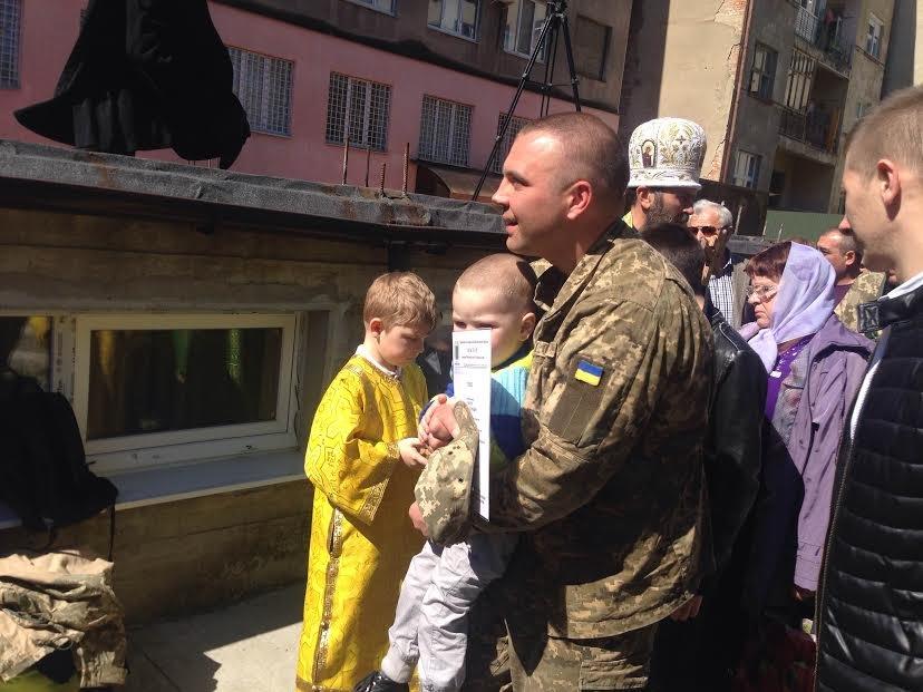 В Ужгороді відзначили церковними нагородами військових та волонтерів: фото, фото-3