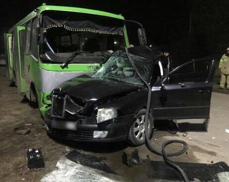 """В Балаклее столкнулись """"легковушка"""" и автобус: 2 человека погибли, 13 пострадали (ФОТО), фото-2"""