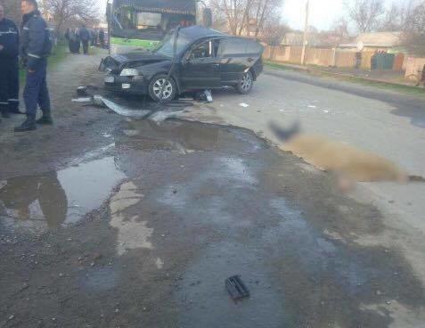"""В Балаклее столкнулись """"легковушка"""" и автобус: 2 человека погибли, 13 пострадали (ФОТО), фото-3"""