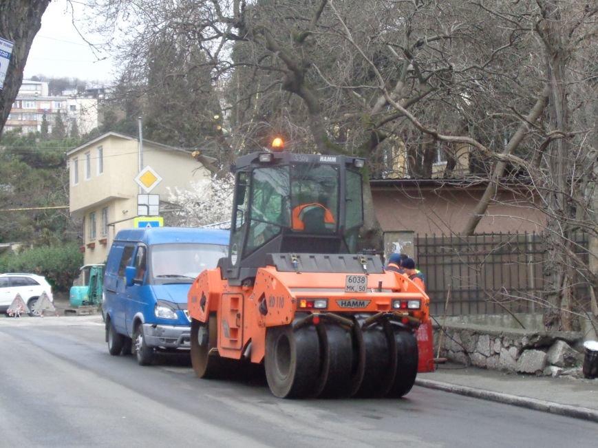 Глава администрации города Ялты берет под свой контроль  ремонт дорог, фото-1