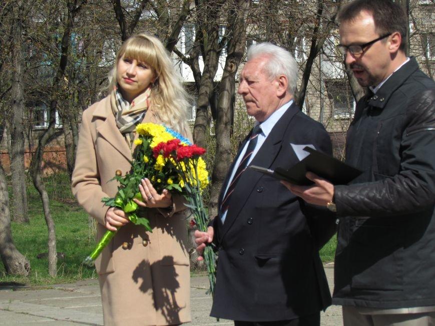 В Мариуполе возложили цветы к памятнику жертвам фашизма (ФОТОРЕПОРТАЖ), фото-13