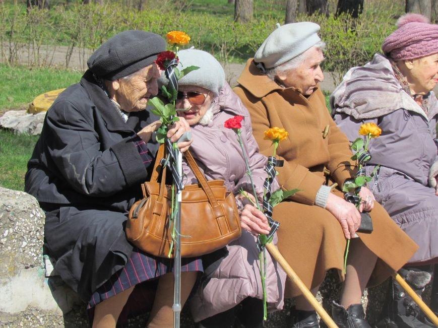 В Мариуполе возложили цветы к памятнику жертвам фашизма (ФОТОРЕПОРТАЖ), фото-3