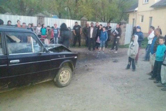 """У Великому Березному п'яний водій на """"Жигулях"""" врізався у газову трубу: фото, фото-2"""