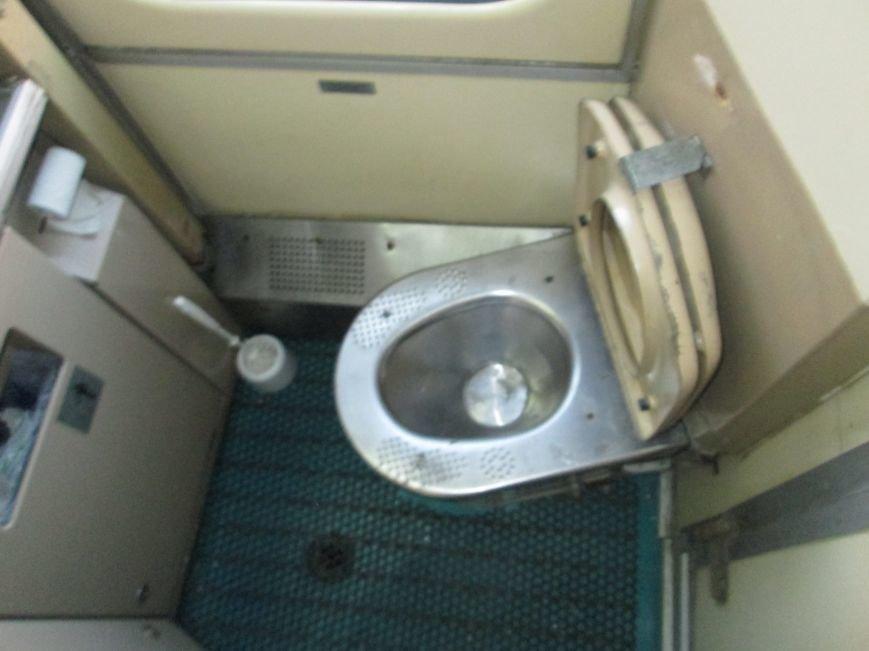 Одесский поезд поверг пассажиров в шок и оказался грязнее львовского (ФОТО), фото-9