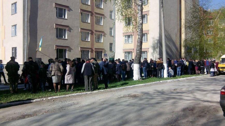 У Кам'янці відкрили меморіальну дошку воїну АТО - Роману Наглюку, фото-1