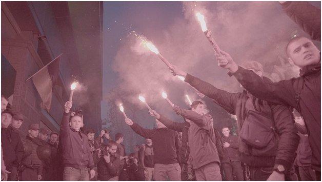 Националисты заблокировали «Сбербанк» в Харькове и Киеве, фото-2