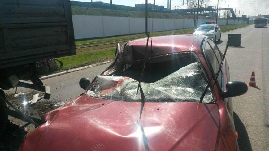 """В Мариуполе автомобиль """"Дэу"""" врезался в грузовик. Пострадали 6 человек (ФОТО), фото-1"""