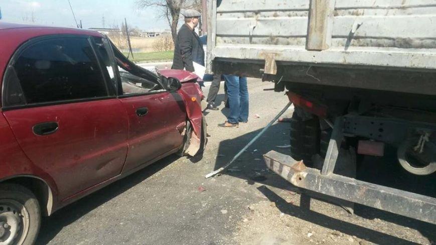 """В Мариуполе автомобиль """"Дэу"""" врезался в грузовик. Пострадали 6 человек (ФОТО), фото-4"""