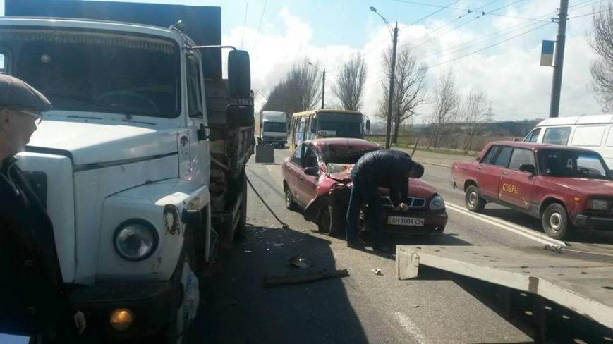"""В Мариуполе автомобиль """"Дэу"""" врезался в грузовик. Пострадали 6 человек (ФОТО), фото-3"""