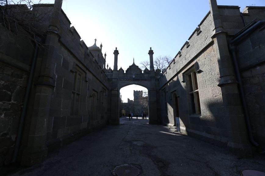Место, где время остановилось -  Воронцовский дворец в Алупке (ФОТО), фото-2