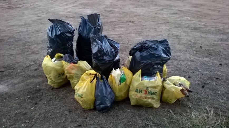 «Хороший пример людям». Полочане по личной инициативе убрали лесок в районе Аэродрома. ФОТО, фото-5