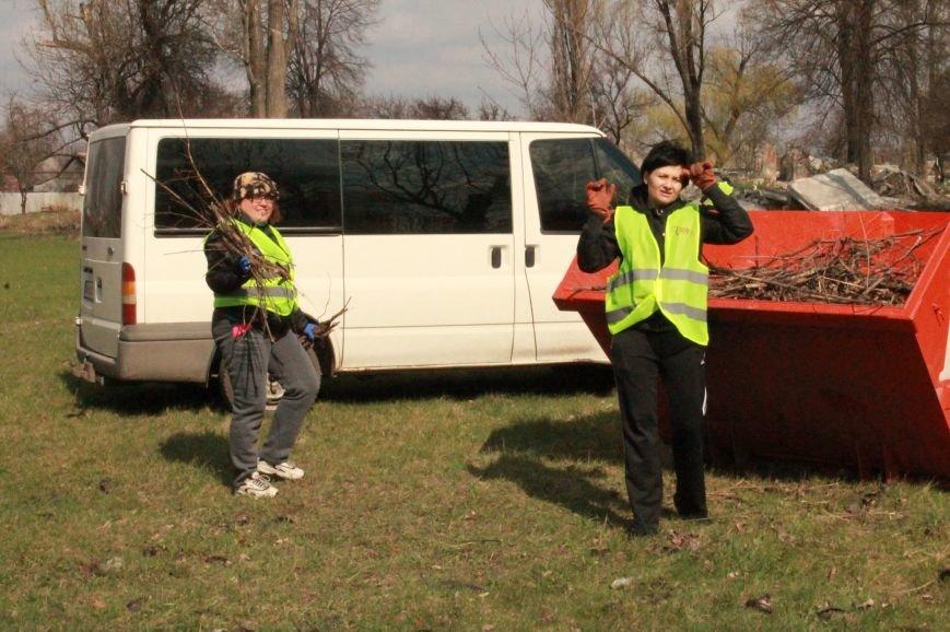 Всеукраїнська акція з благоустрою та прибирання «Чисте серце – чисте місто» відбулася у Покровську, фото-3