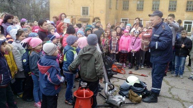 Спасатели Краматорска провели практическую работу эвакуации, фото-1