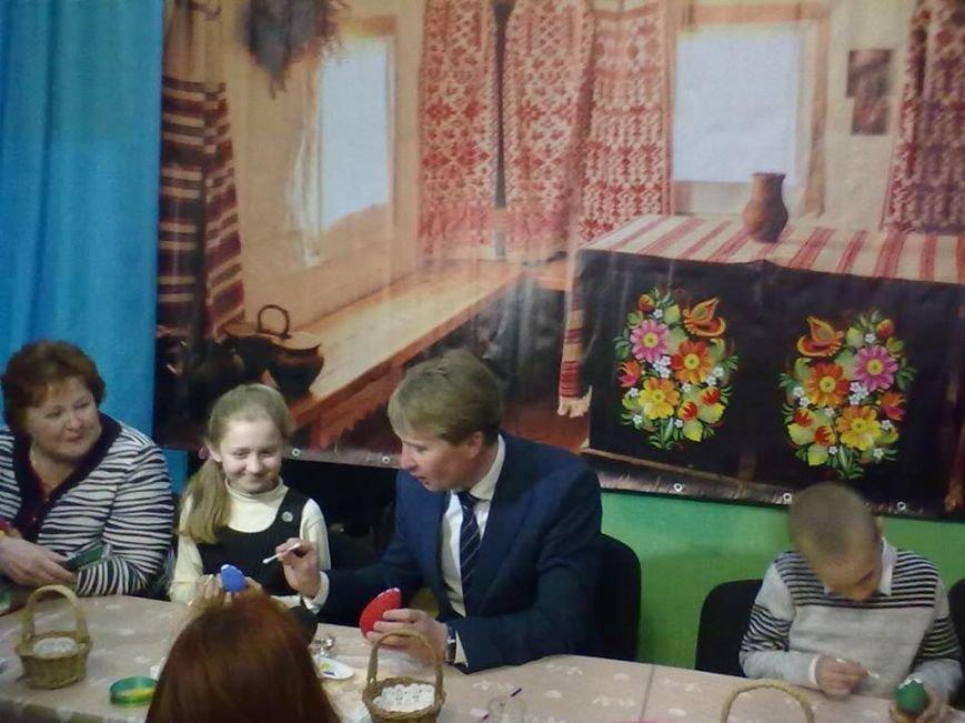 В Мирнограде чиновникам раскрыли премудрости росписи пасхальных яиц (ФОТО), фото-4