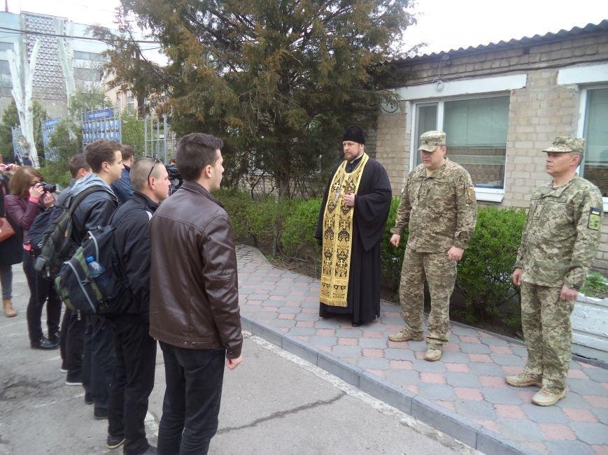 Юных бойцов торжественно отправили на службу, фото-1