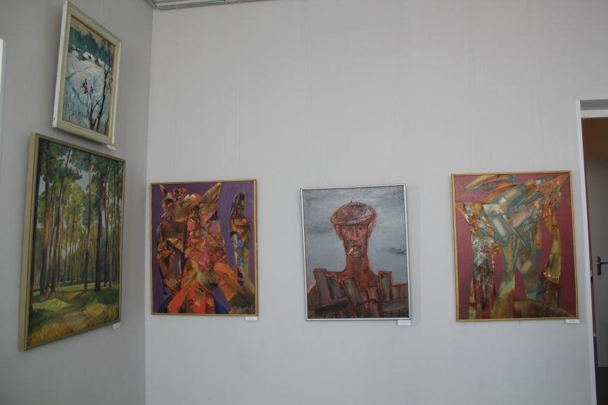 Масштабная выставка в Мариуполе: художники представили свои работы за последние 25 лет (ФОТО), фото-19