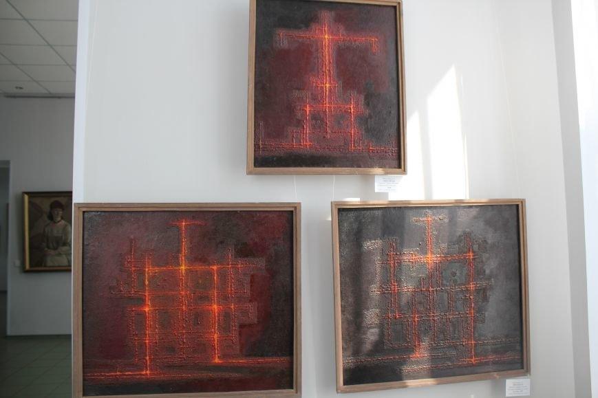 Масштабная выставка в Мариуполе: художники представили свои работы за последние 25 лет (ФОТО), фото-17