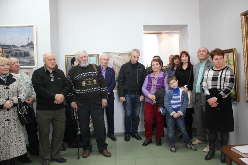 Масштабная выставка в Мариуполе: художники представили свои работы за последние 25 лет (ФОТО), фото-1
