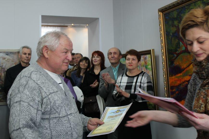 Масштабная выставка в Мариуполе: художники представили свои работы за последние 25 лет (ФОТО), фото-5