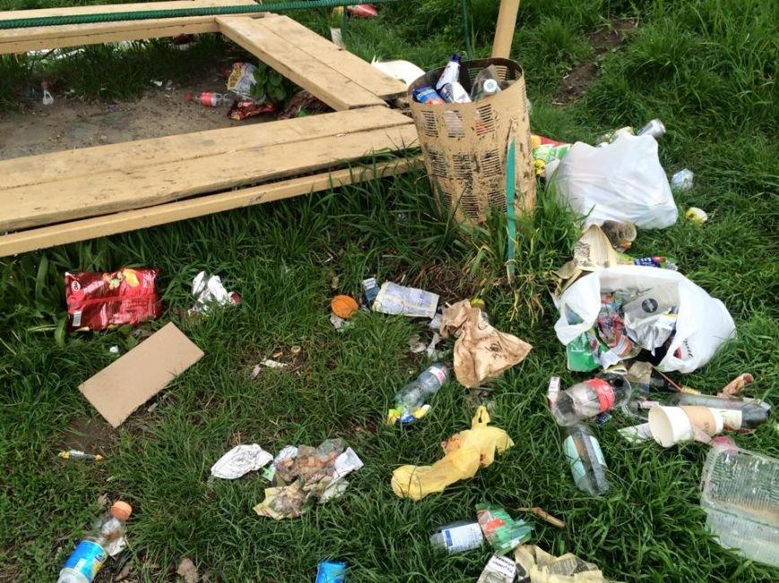 На березі Ужа у центрі Ужгорода - стихійне сміттєзвалище: фото, фото-1