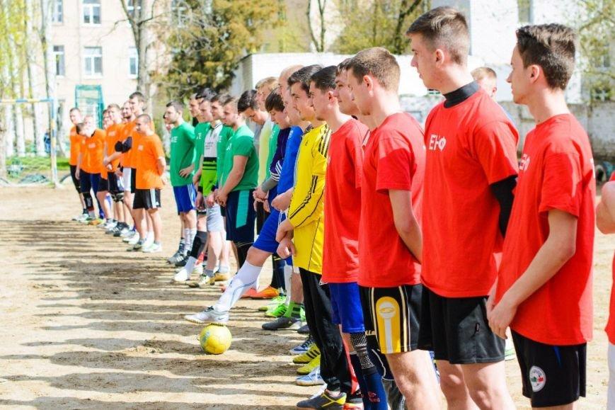 Студенты ТГАТУ соревновались за кубок ректора по мини-футболу, фото-1